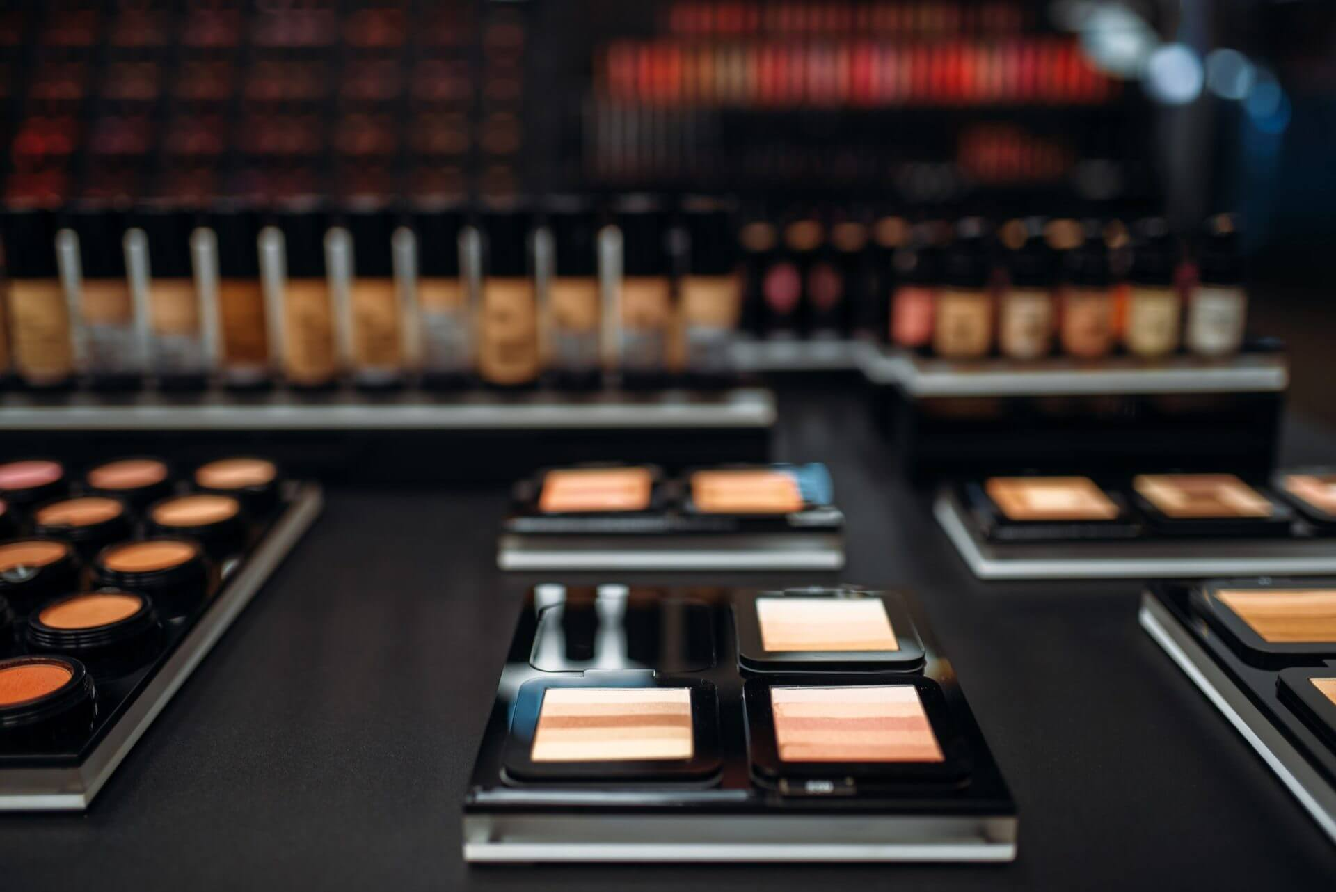 powders-collection-showcase-in-make-up-shop.jpg